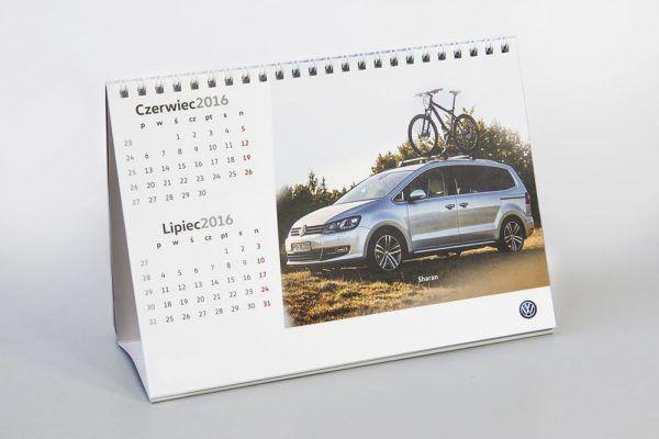 kalendarz biurkowy firmowy 600x400 - Produkty