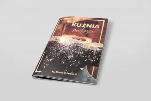 Broszura szyta w miekkiej okładce drukarnia Aqrat Wroclaw min 1 300x200 - Katalogi, broszury, foldery