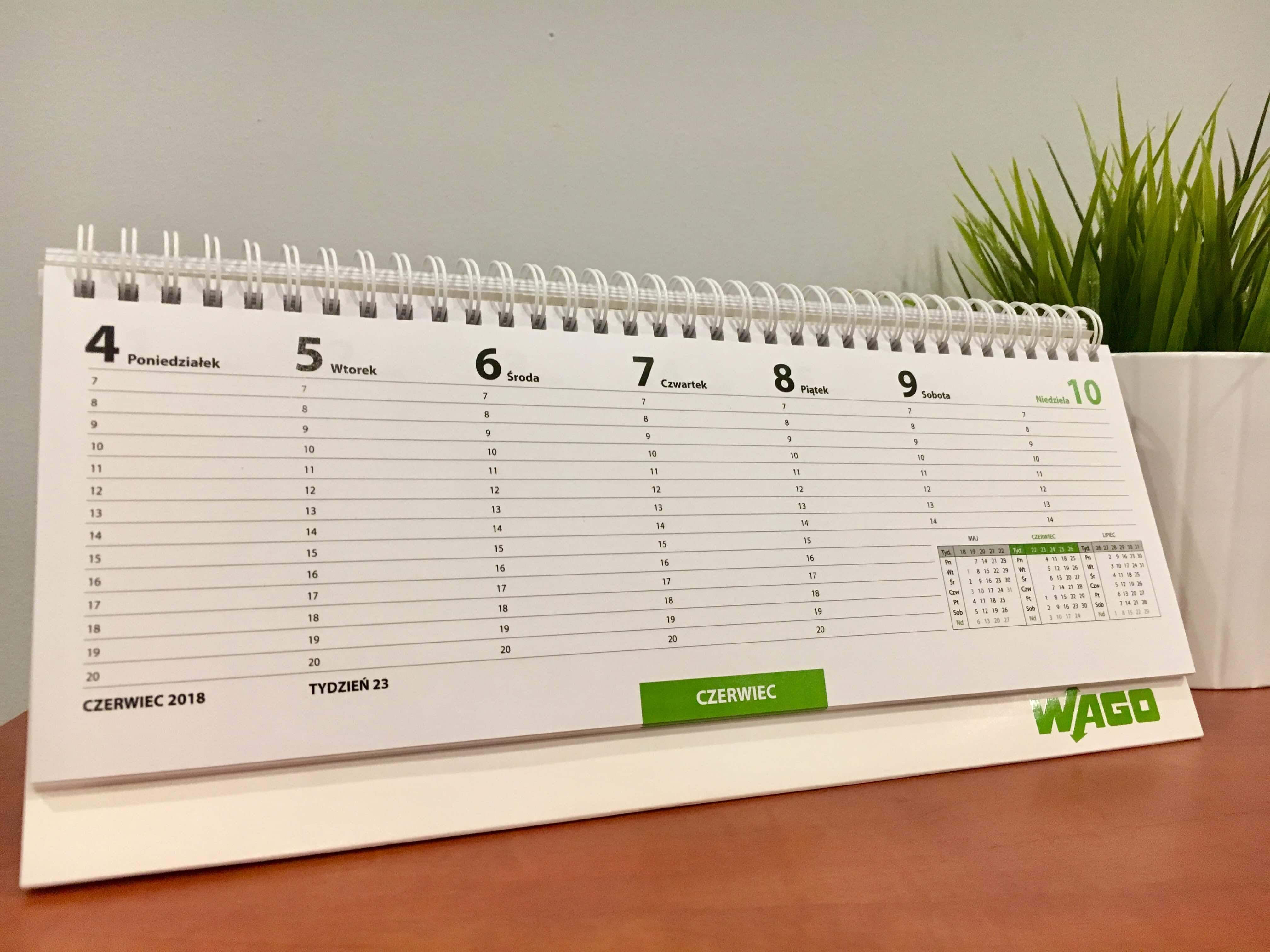 Kalendarz biurkowy piramidka na spirali planer tygodniowy