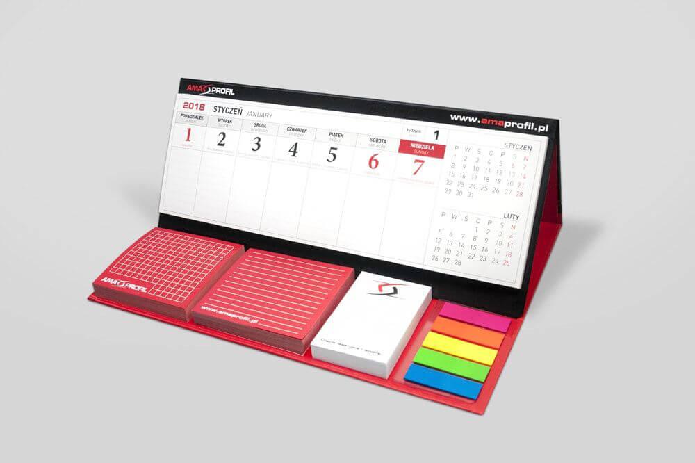 Kalendarz biurkowy z karteczkami samoprzylepnymi i notesem drukarnia Aqrat min - Kalendarze biurkowe