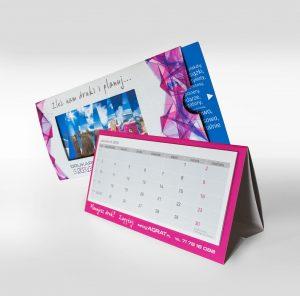 Kalendarz biurkowy z roletka ruchomy obraz AQRAT bus i gory 3