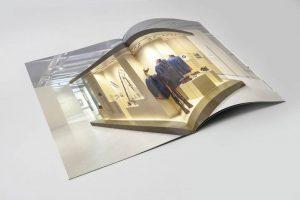 Katalog firmowy A4 gabloty muzeum 2 kreda mat oprawa zeszytowa 300x200 - Katalogi, broszury, foldery