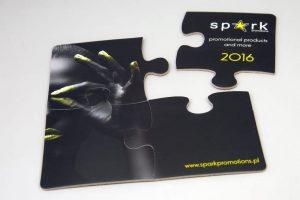 Podstawki pod kubki w formie 4 puzzli czarny nadruk firmowy