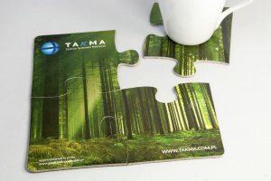 Podstawki pod kubki w formie 4 puzzli zielony las