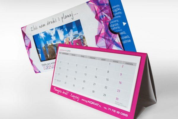 Kalendarz biurkowy z roletka